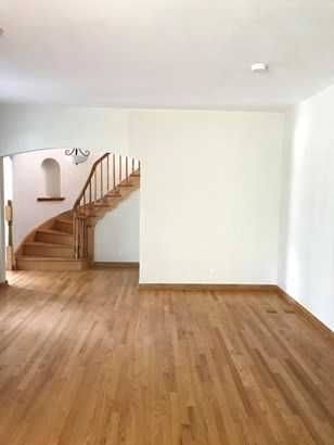 1.5 Story, Cape Cod - CHICAGO HEIGHTS, IL (photo 4)