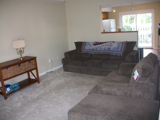 Twnhse/Half Duplex, 2 Story,Townhome - Dyer, IN (photo 3)