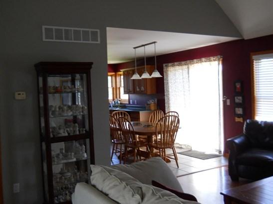 Bi-Level/Raised Lev., Single Family Detach - Wheatfield, IN (photo 5)
