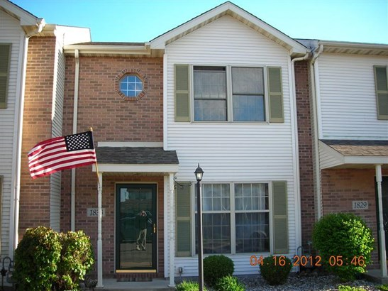 Twnhse/Half Duplex, 2 Story,Townhome - Crown Point, IN (photo 1)