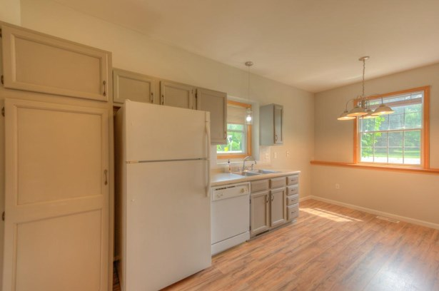 Ranch/1 Sty/Bungalow,Townhome, Condominium - Griffith, IN (photo 4)