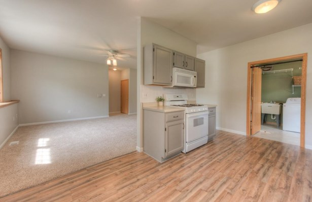 Ranch/1 Sty/Bungalow,Townhome, Condominium - Griffith, IN (photo 5)