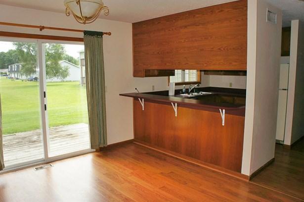 Condominium, Condo - DeMotte, IN (photo 5)