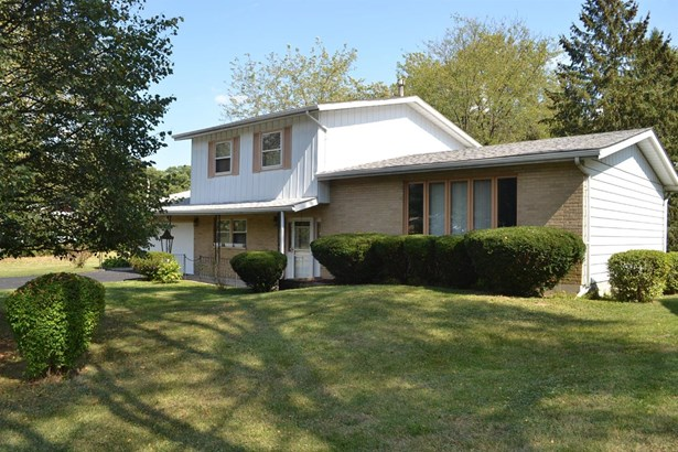 Single Family Detach, Tri Level - Merrillville, IN (photo 2)