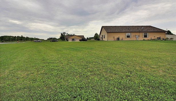 Twnhse/Half Duplex, 1/2 Duplex,Ranch/1 Sty/Bungalow - Merrillville, IN (photo 2)