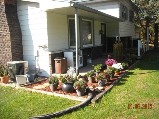Single Family Detach, Tri Level - Westville, IN (photo 2)