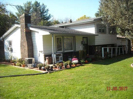 Single Family Detach, Tri Level - Westville, IN (photo 3)