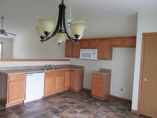 Twnhse/Half Duplex, 1/2 Duplex,Ranch/1 Sty/Bungalow - Hobart, IN (photo 5)