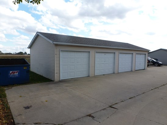 2 Story Unit/S - MANTENO, IL (photo 2)