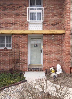 Condominium, 2 Story,Townhome - Michigan City, IN (photo 2)