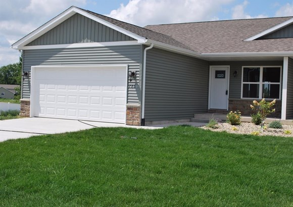 Twnhse/Half Duplex, 1/2 Duplex,Ranch/1 Sty/Bungalow - Merrillville, IN (photo 1)