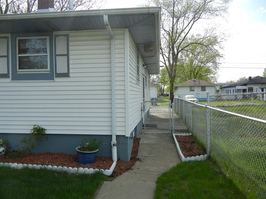 Ranch/1 Sty/Bungalow, Single Family Detach - Gary, IN (photo 5)