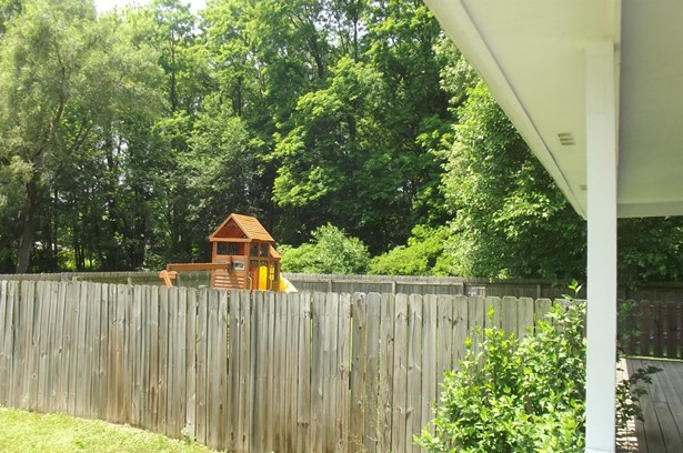 Single Family Detach, 2 Story - Portage, IN (photo 4)