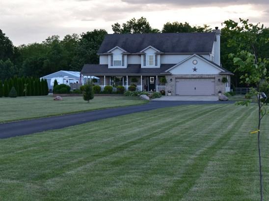 Single Family Detach, 2 Story - Lake Village, IN (photo 3)