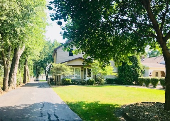 2 Stories, Traditional - KANKAKEE, IL