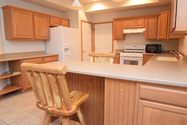 Twnhse/Half Duplex, 2 Story - Porter, IN (photo 5)