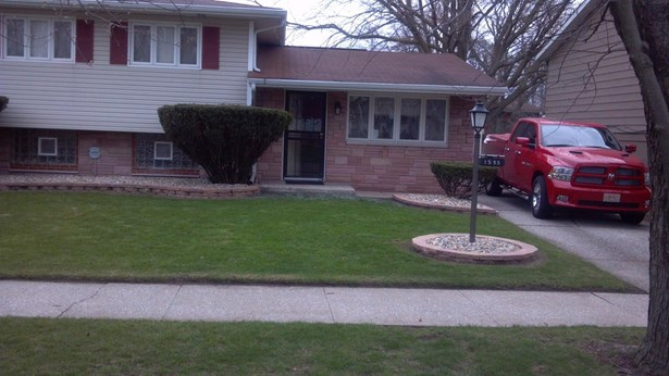 Single Family Detach, Tri Level - Gary, IN (photo 1)