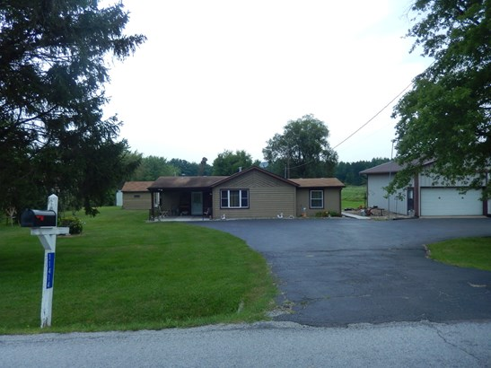 1 Story, Ranch - LOWELL, IN