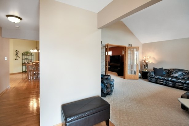 1 Story, Step Ranch - NEW LENOX, IL (photo 4)