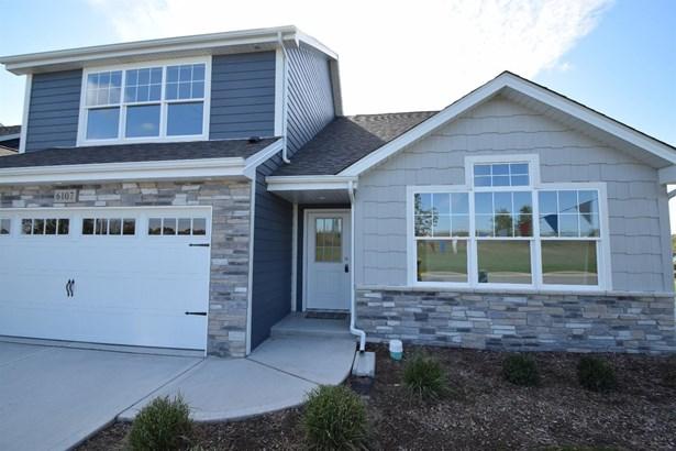 Twnhse/Half Duplex, 1.5 Sty/Cape Cod - Portage, IN (photo 1)