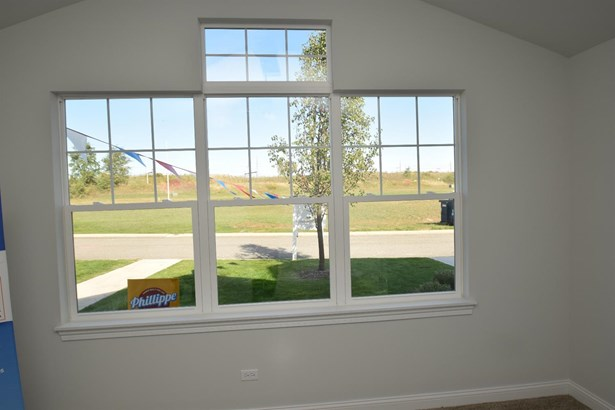 Twnhse/Half Duplex, 1.5 Sty/Cape Cod - Portage, IN (photo 3)
