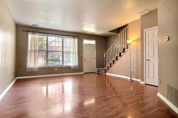 Twnhse/Half Duplex,Condominium, 2 Story,Townhome - Highland, IN (photo 4)
