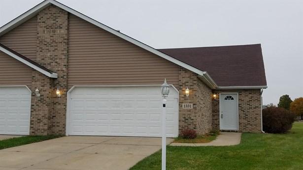 Twnhse/Half Duplex, 1/2 Duplex,Ranch/1 Sty/Bungalow - Hobart, IN