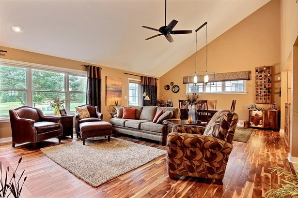 Twnhse/Half Duplex, 1/2 Duplex,Ranch/1 Sty/Bungalow - Crown Point, IN (photo 4)