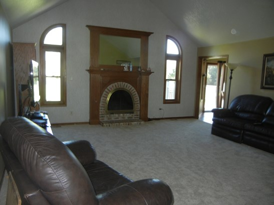 1 Story, Ranch - BEECHER, IL (photo 4)