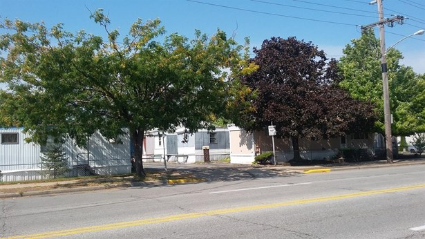 Income Property - Hammond, IN (photo 2)