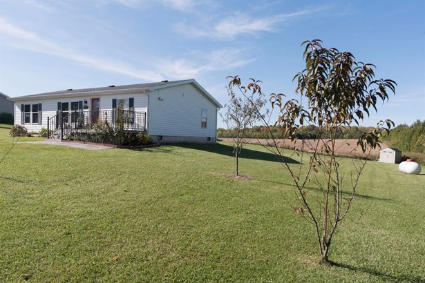 Manufactured,Ranch/1 Sty/Bungalow, Single Family Detach - New Carlisle, IN (photo 4)