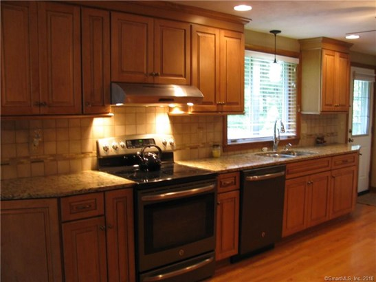 Single Family For Sale, Ranch - Bristol, CT (photo 4)