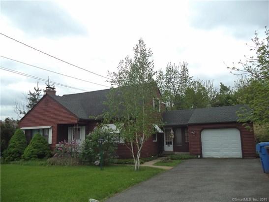 Single Family For Sale, Cape Cod - New Britain, CT