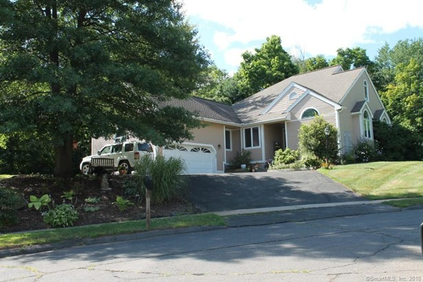Single Family For Sale, Contemporary,Ranch - Berlin, CT (photo 1)
