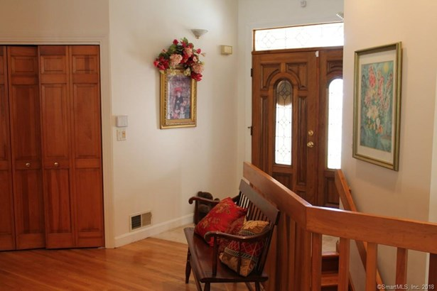 Single Family For Sale, Contemporary,Ranch - Berlin, CT (photo 2)