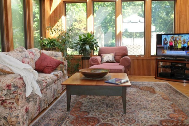 Single Family For Sale, Contemporary,Ranch - Berlin, CT (photo 5)