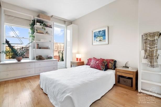 1015 Eighth Avenue 3 3, Park Slope, NY - USA (photo 3)
