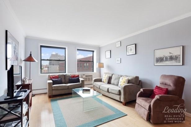 130 Lenox Avenue 901, New York, NY - USA (photo 1)