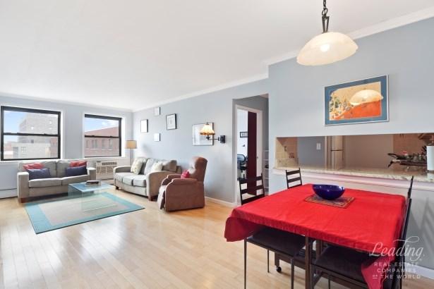 130 Lenox Avenue 901, New York, NY - USA (photo 2)