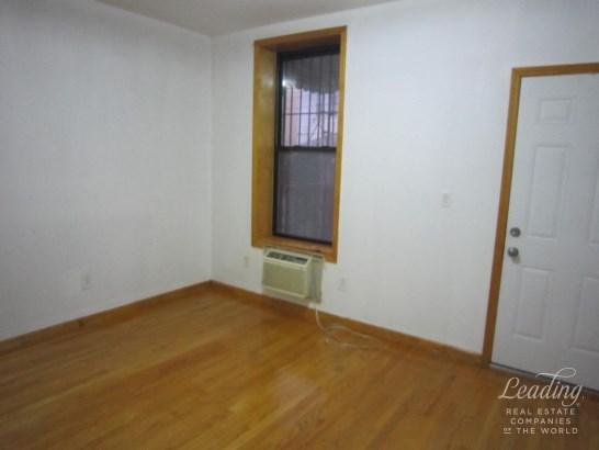 1118 Bay Ridge Avenue 1, Dyker Heights, NY - USA (photo 4)