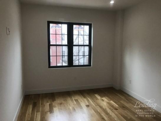 143 Woodbine Street 2a 2a, Bushwick, NY - USA (photo 3)