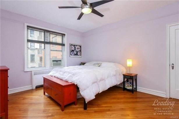 680 West 204th Street 2e 2e, New York, NY - USA (photo 4)