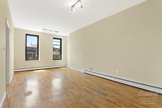 307 East 105th Street 5s 5s, New York, NY - USA (photo 3)