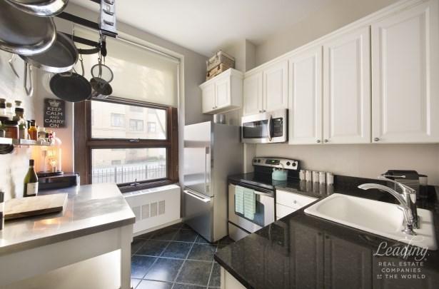 262 West 25th Street 1, New York, NY - USA (photo 3)