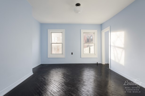 431 Throop Avenue, Brooklyn, NY - USA (photo 5)