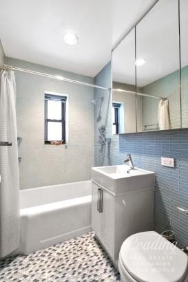7702 34th Avenue B16, Jackson Heights, NY - USA (photo 2)