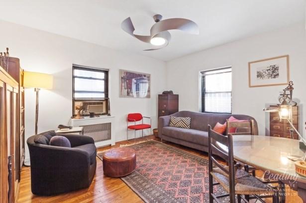 7702 34th Avenue B16, Jackson Heights, NY - USA (photo 5)