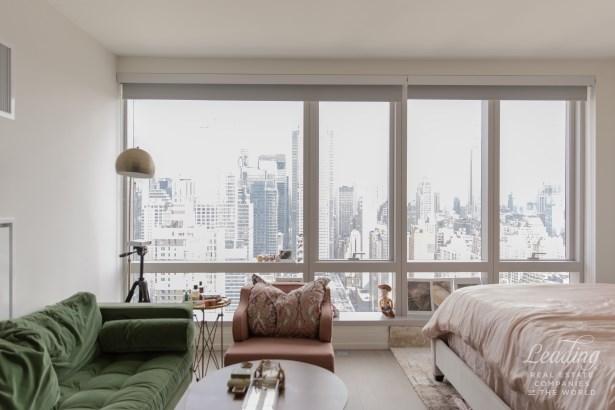 555 Tenth Avenue 41m, New York, NY - USA (photo 2)