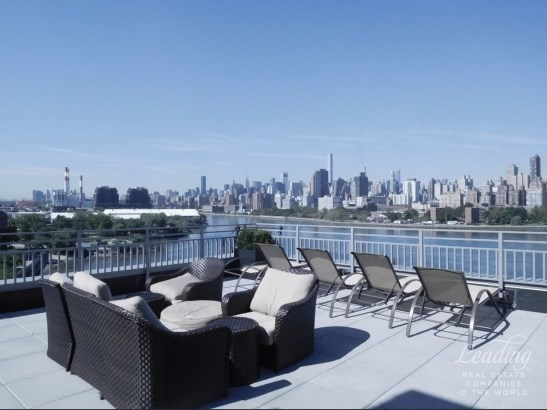 2 Bed/1 Bath Luxury Living In Astoria 3n, Astoria, NY - USA (photo 1)