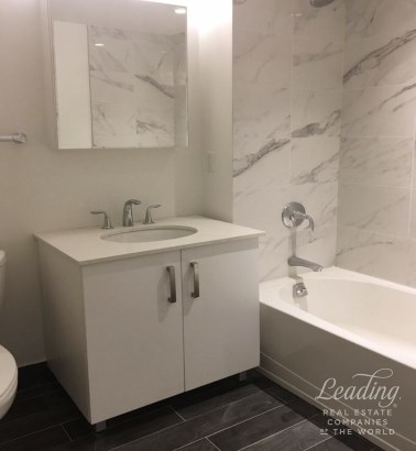 2 Bed/1 Bath Luxury Living In Astoria 3n, Astoria, NY - USA (photo 4)